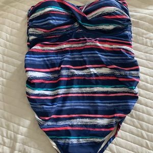 Liz Lange Maternity Swimsuit (NWT)